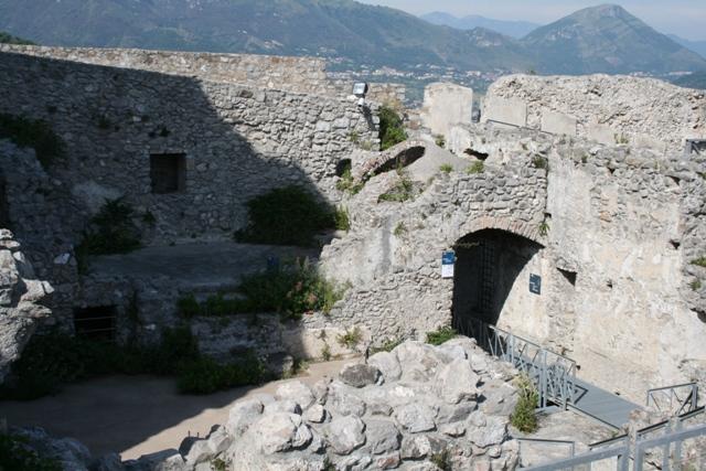 castello-di-arechi-esterni-e-vedute-24-